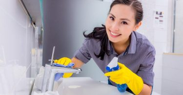 how to clean bathroom sink