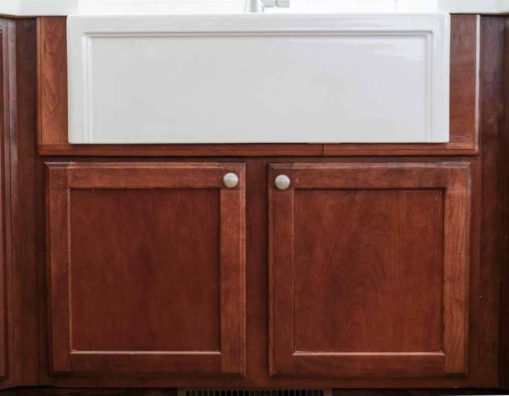 modifying cabinet for a farmhouse sink