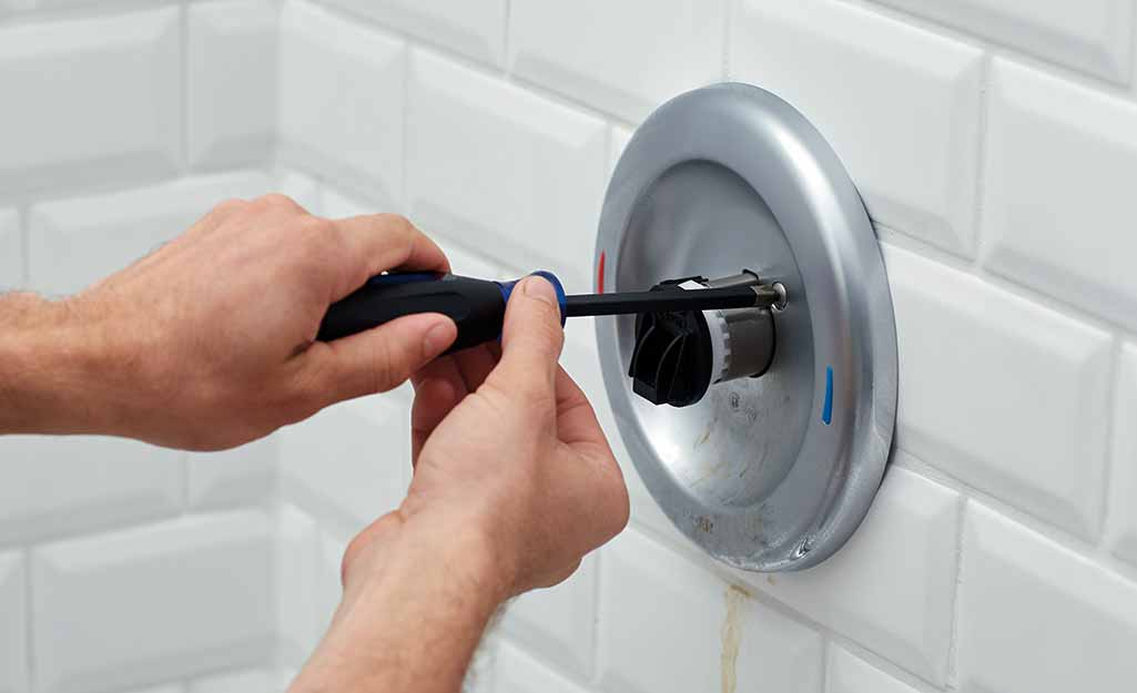 how to fix a leaking tap