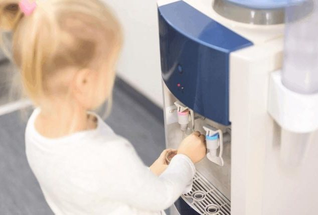 how does a water cooler work